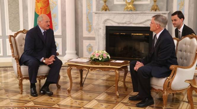 Как Вашингтон к парламентским выборам в Белоруссии готовится...
