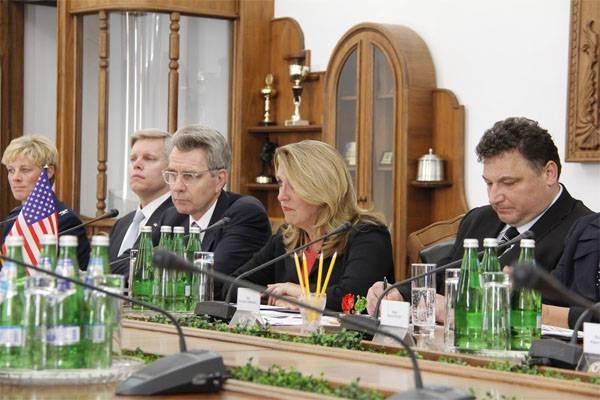 Американская делегация в Киеве сообщила о поддержке перехода ВСУ на стандарты НАТО