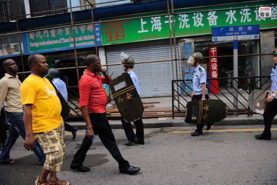Китай притягивает мигрантов. Кто, откуда и зачем едет в Поднебесную?