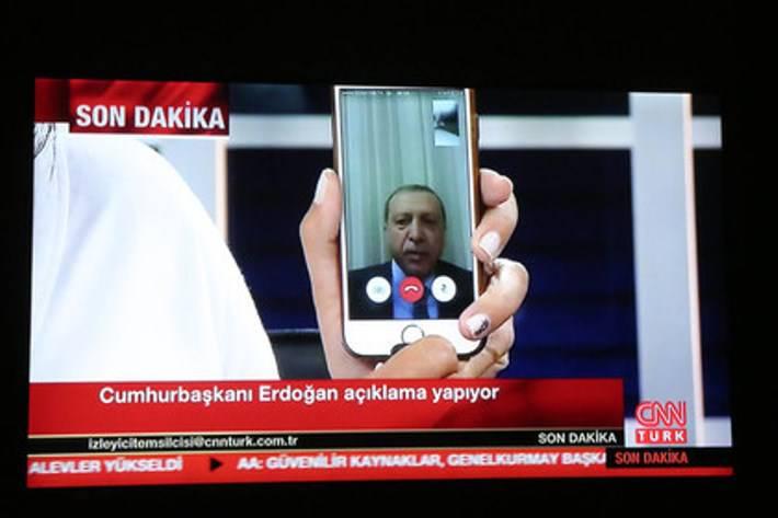 СМИ: Эрдогана планировали убить на курорте, а затем во время перелёта в Стамбул