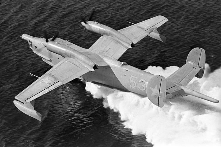 Летающая мощь ВМФ: чем вооружена морская авиация России
