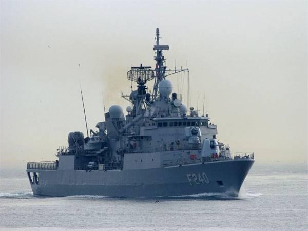"""СМИ: Анкара """"потеряла"""" 14 кораблей и командующего ВМС"""
