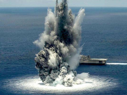 """La Marina degli Stati Uniti ha condotto una miniera della nave da guerra """"Jackson"""" della USS"""