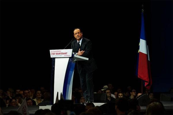 Hollande ha annunciato la mobilitazione dei riservisti