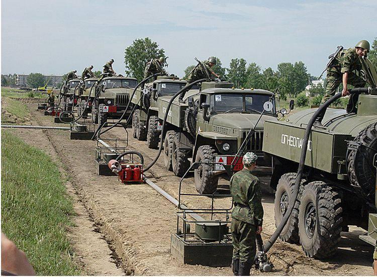 8月の1はロシア連邦の軍隊の後部の日を迎えます