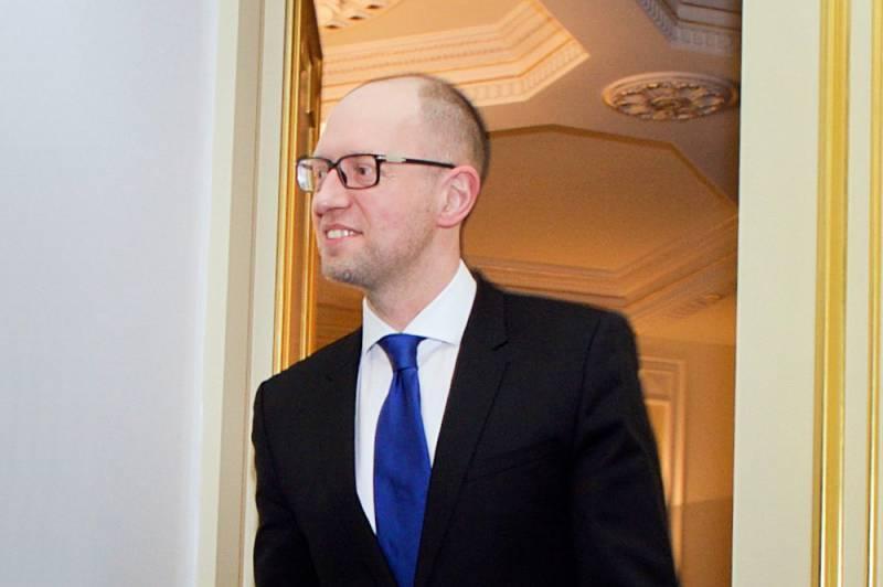 Яценюк: «Недопустимо снимать санкции с России»
