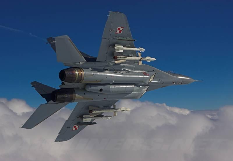 СМИ: Польские МиГи вооружат украинскими ракетами