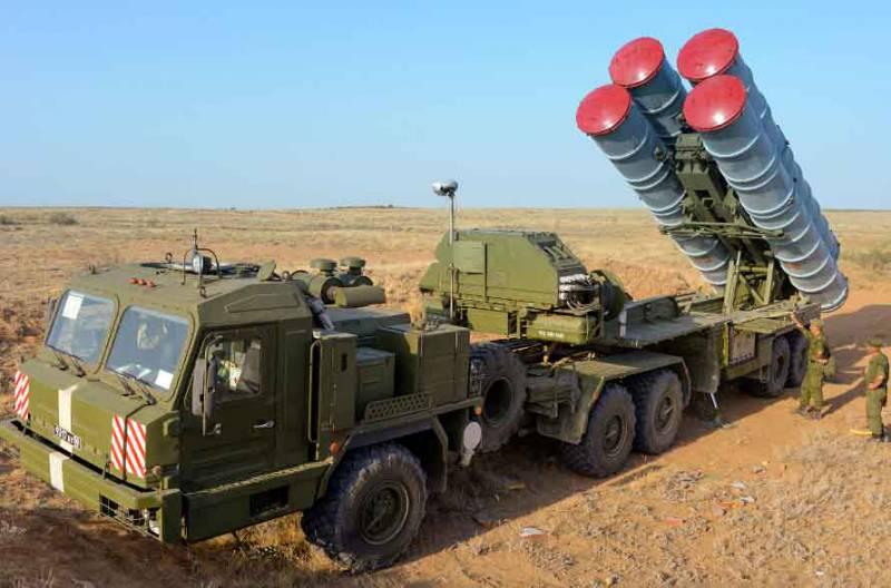 «Алмаз-Антей»: в войска досрочно передан полковой комплект С-400