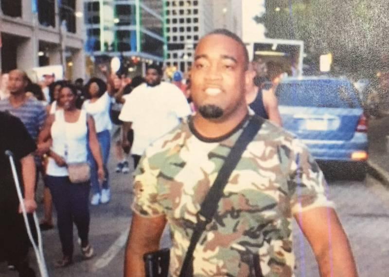 Полицейских на акции протеста в США расстреливали снайперы