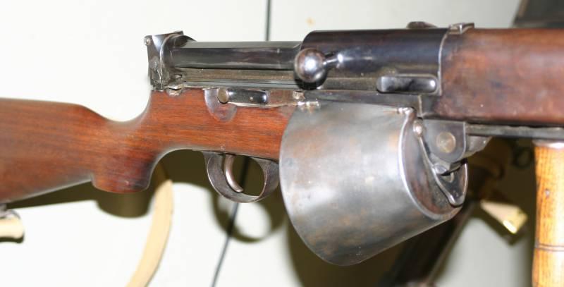 Самозарядная винтовка Farquhar-Hill (Великобритания)