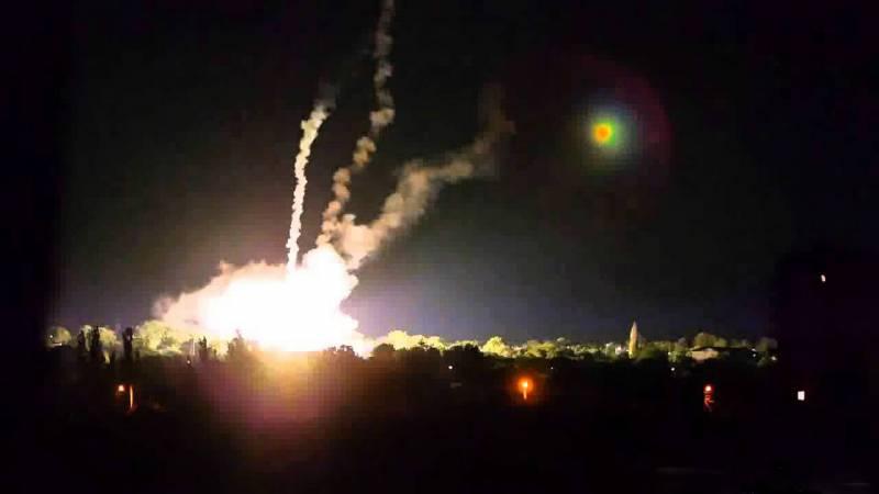 ВСУ готовы к новому витку агрессии: ночные самообстрелы близ Мариуполя и новые контрбатарейные РЛС из США
