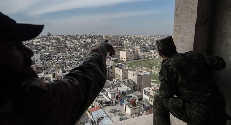 Удар сирийской артиллерии по группе боевиков (видео)