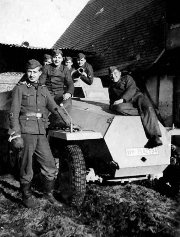 Боевая разведывательная машина Sd.Kfz.251/9 (Германия)