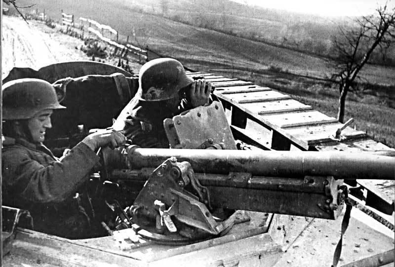 Бронетранспортер с пушечным вооружением Sd.Kfz.251/10 (Германия)