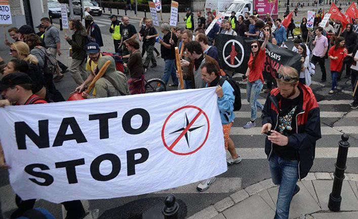 Мы должны отойти от НАТО, если не хотим воевать(Göteborgs-Posten, Швеция)