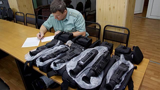 Прицелы и тепловизоры были обнаружены в вагоне поезда Москва-Киев