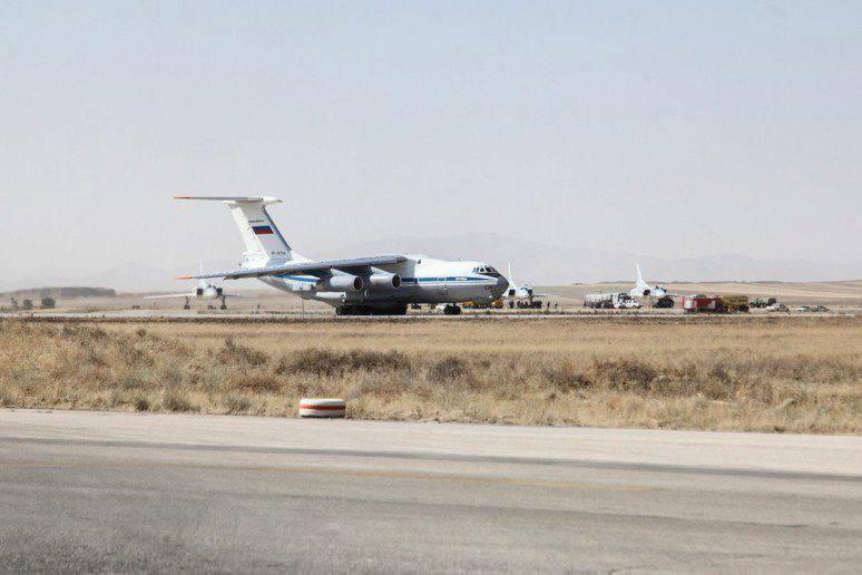 Россия запросила у Ирана и Ирака разрешение на пролёт крылатых ракет. На иранской базе Хамадан появились российские Ту-22М3