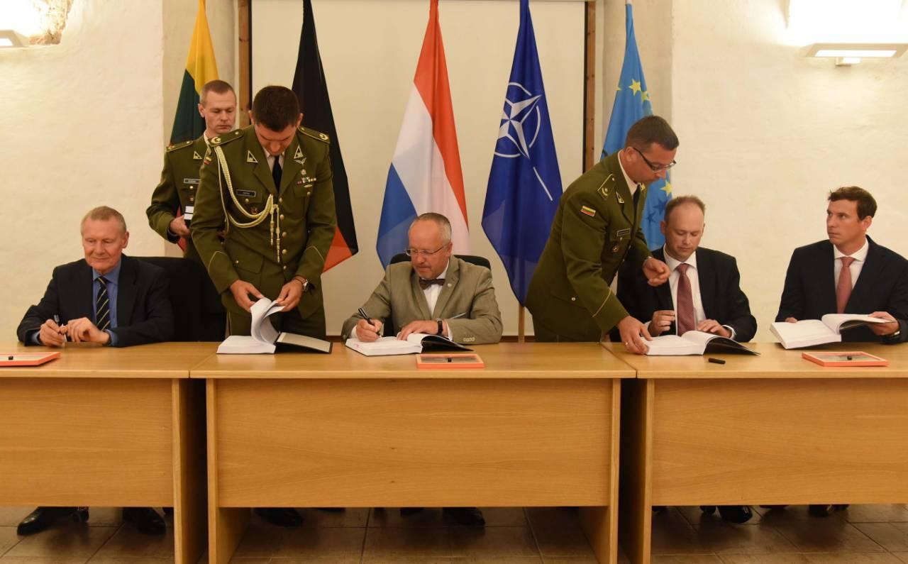 Литва закупит германские бронемашины Boxer нарекордную сумму