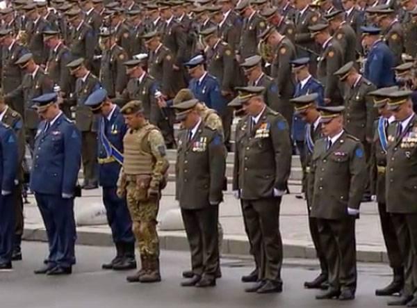 """Порошенко в ходе выступления в день """"независимости"""": """"Товарищ москаль, на Украину шуток не скаль..."""""""