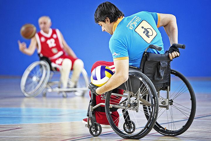 Кто может позволить себе ударить инвалида?