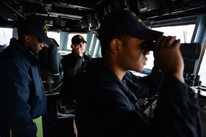 Корабль ВМС США открыл предупредительный огонь при приближении иранского катера