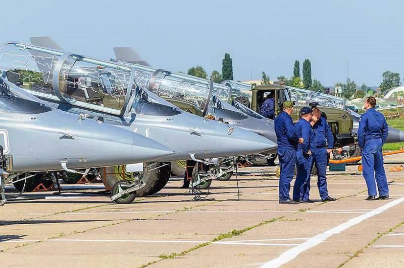 РФ и Казахстан обсуждают вопрос о поставках учебных и транспортных самолётов