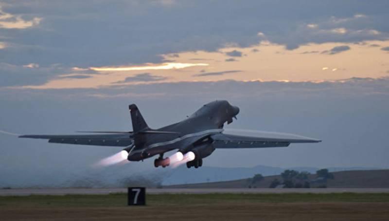 Пентагон направляет в Тихий океан бомбардировщики B-1B для сдерживания Северной Кореи и Китая