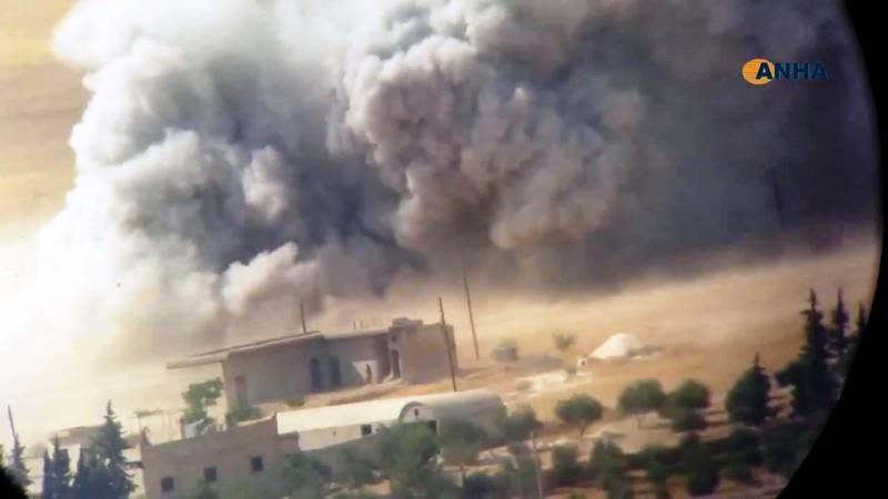 Курдские ополченцы выбили террористов из города Манбидж на севере Сирии