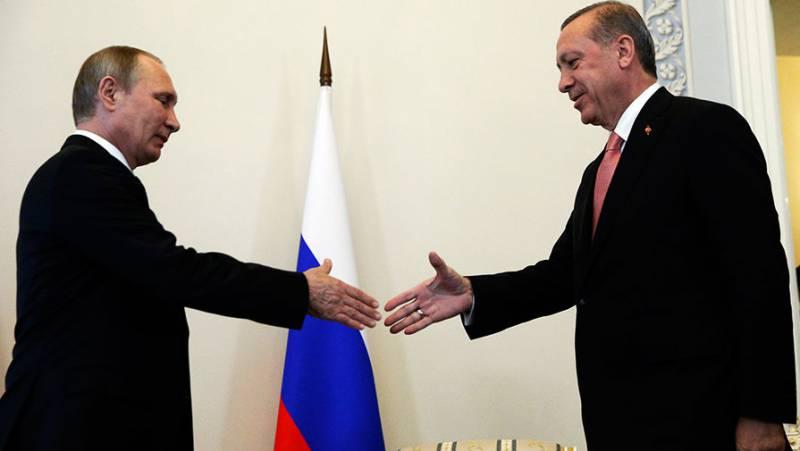 Ехидные комментарии. Кто следующий на поклон к Путину?