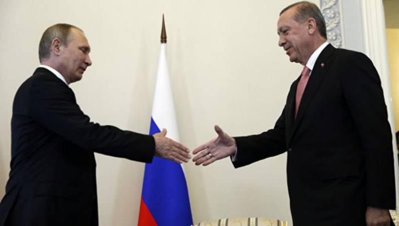 Между военными ведомствами РФ и Турции установлена прямая линия для обсуждения вопросов авиабезопасности