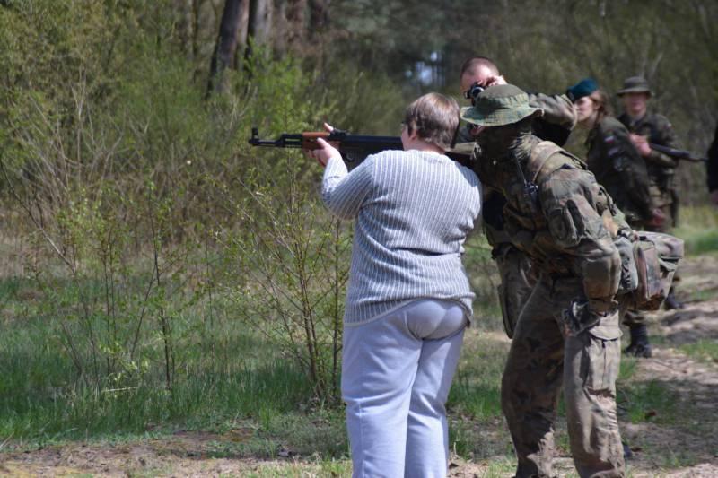 СМИ: в Польше растёт число «сопротивленцев» и «выживальщиков»