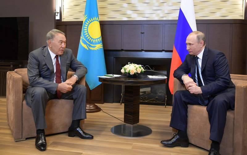 Нурсултан Назарбаев рассказал Владимиру Путину о том, что мешает Порошенко...
