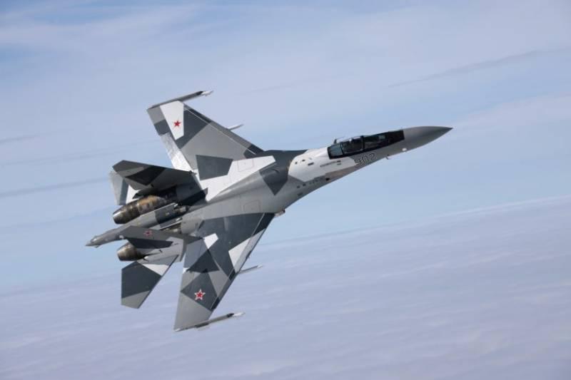В США самолёты учебной эскадрильи, имитирующей противника, раскрасили под Су-35