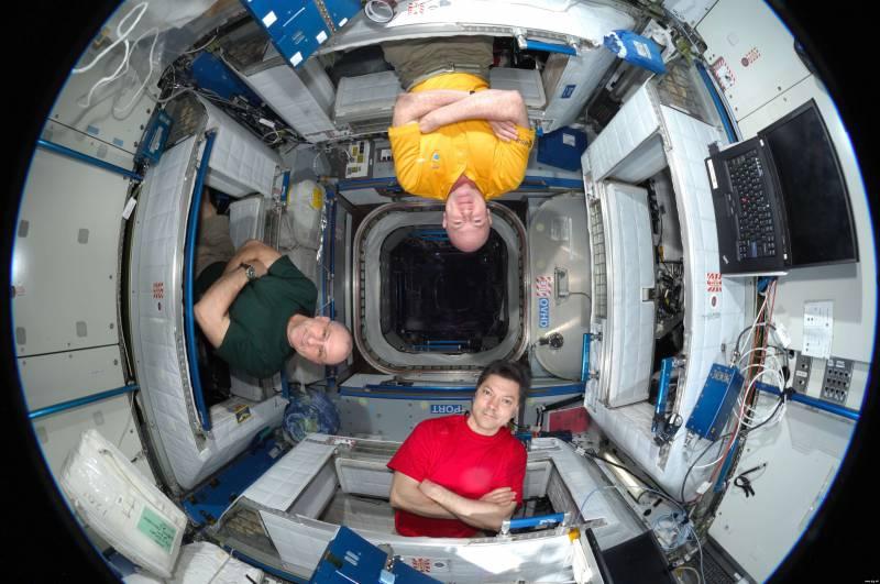 СМИ: Россия снизит издержки по эксплуатации МКС, планируя запустить собственный проект