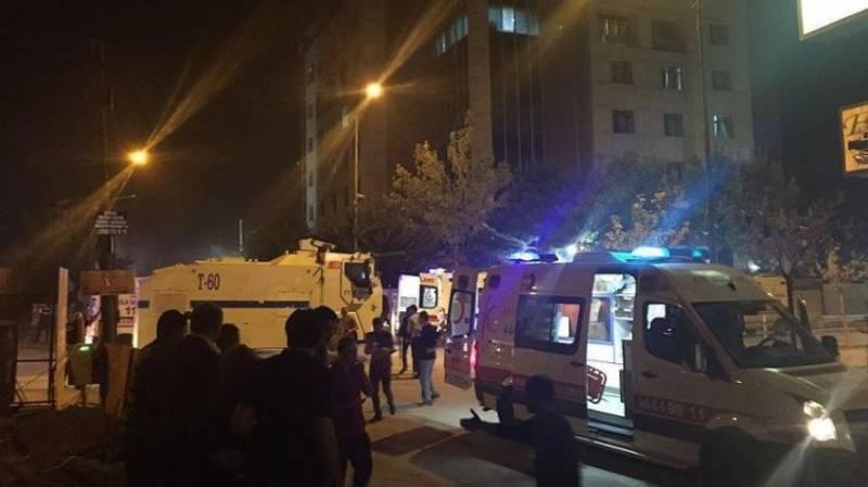 Взрыв на востоке Турции, объектом террористической атаки стал полицейский участок
