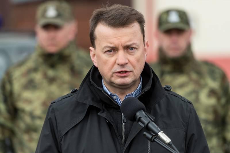 """Глава МВД Польши назвал генерала Черняховского """"бандитом"""""""