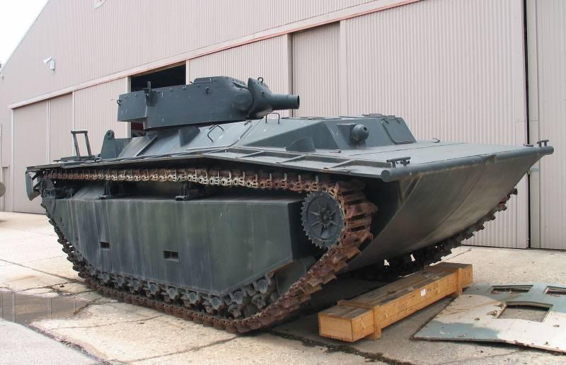 Гусеничная десантная машина LTV