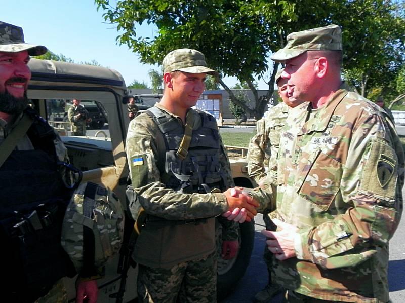 Зону АТО в Донбассе посетил американский генерал Бен Ходжес