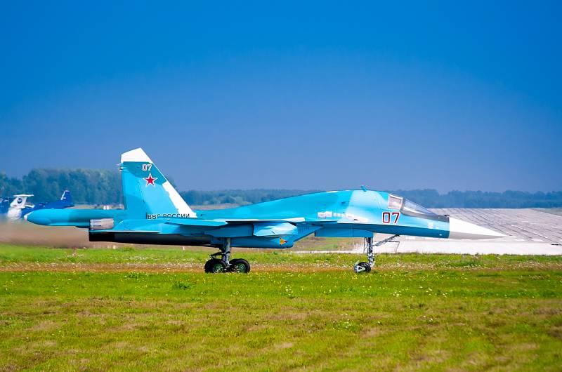 В ВКС поступила очередная партия бомбардировщиков Су-34