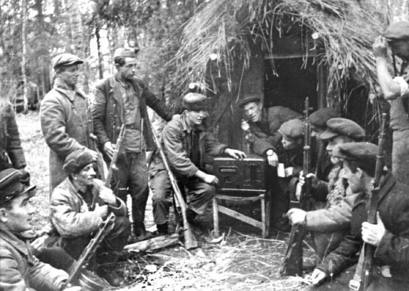 Планирование боевых действий партизан западных областей РСФСР