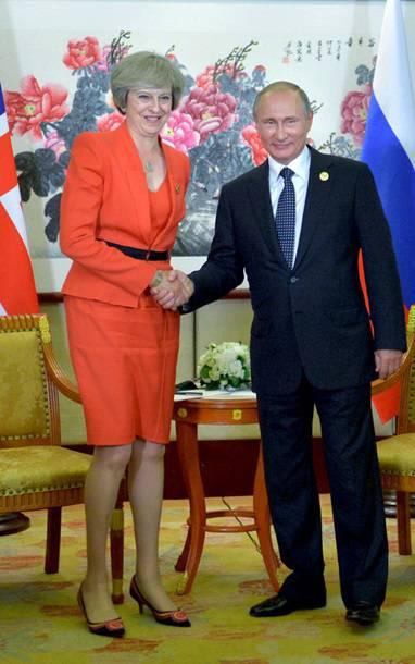 Владимир Путин и его слова о Прибалтике - на первых полосах прибалтийских газет