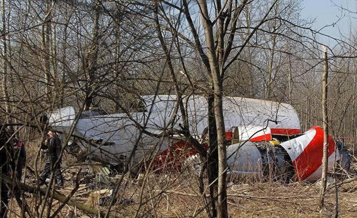 В Варшаве заявили о подготовке к эксгумации останков погибших в авиакатастрофе Ту-154 под Смоленском