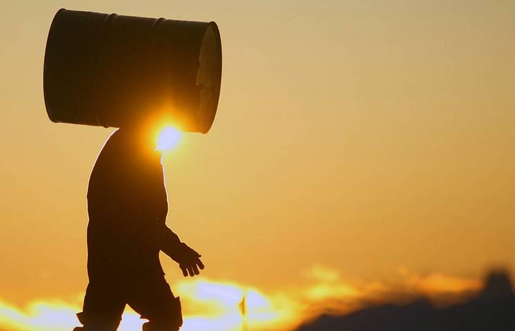 На острове Котельный за лето собрано 30 тыс. старых бочек