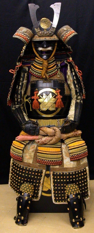 Шляпка, зонтик и лошадиный хвост - знамена самураев!