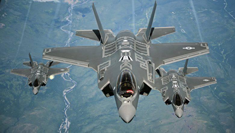 Эксплуатация десяти F-35 прекращена из-за неполадок