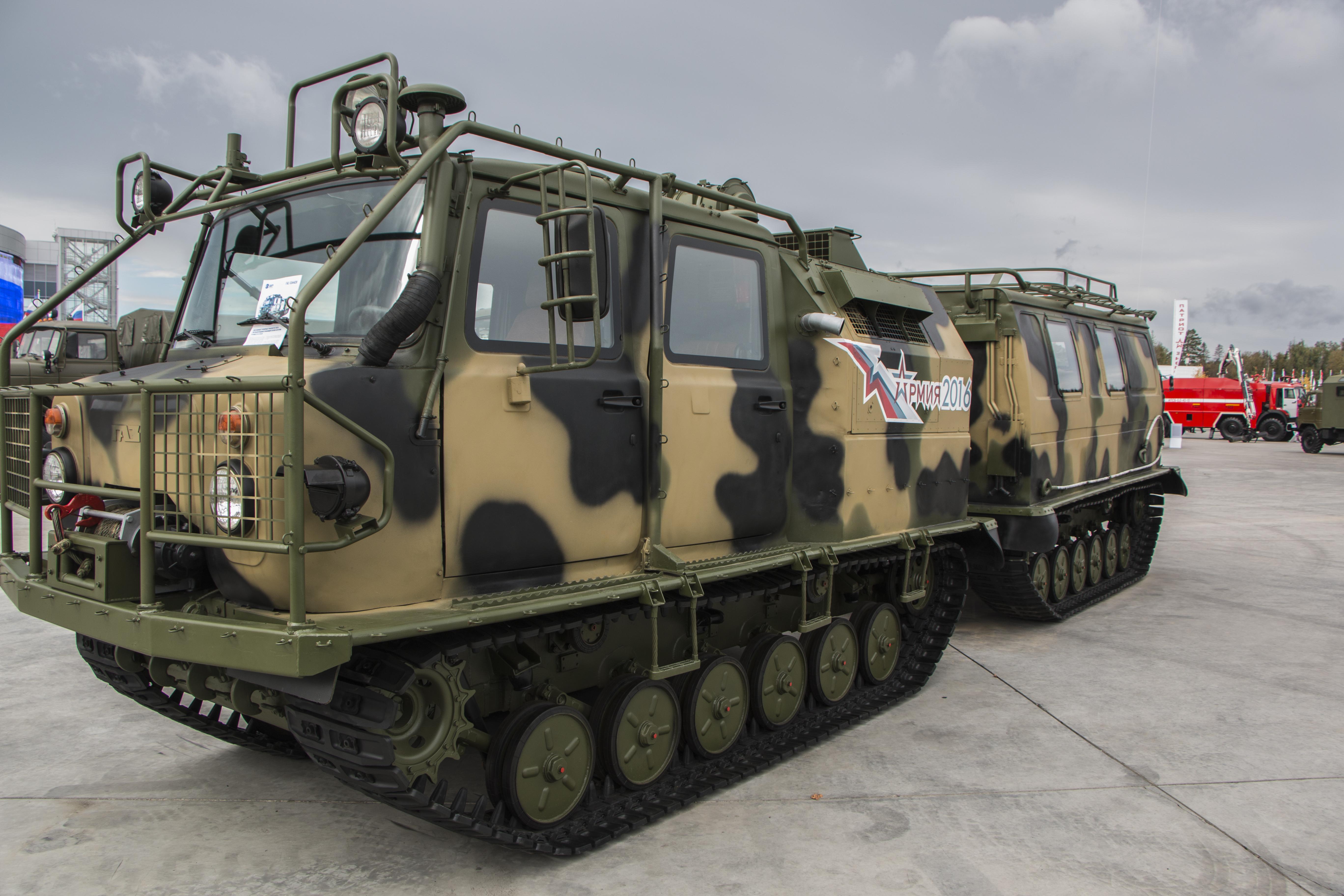 Военные гусеничные транспортеры купить дверь для фольксваген транспортер