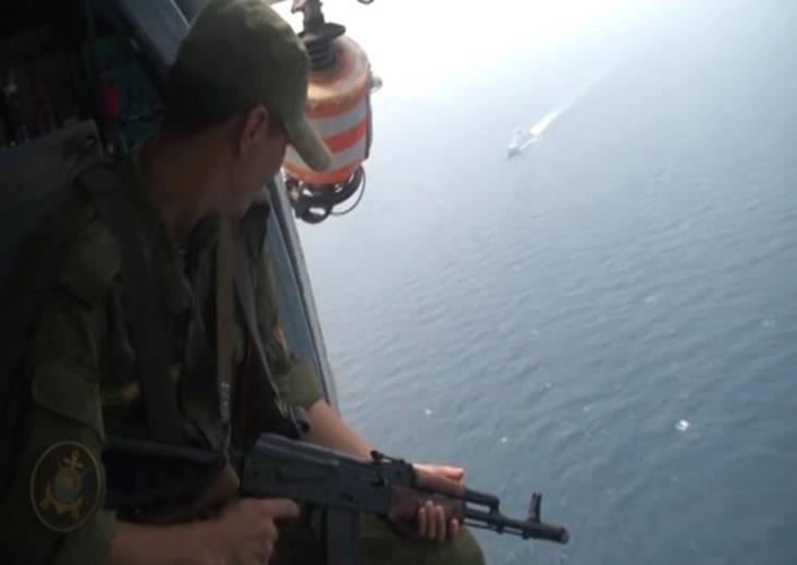 Российские и китайские военные моряки отработали задачи по поиску подлодок и задержанию судов-нарушителей