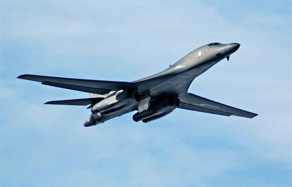 Стратегический бомбардировщик ВВС США впервые пролетел вдоль границы КНДР