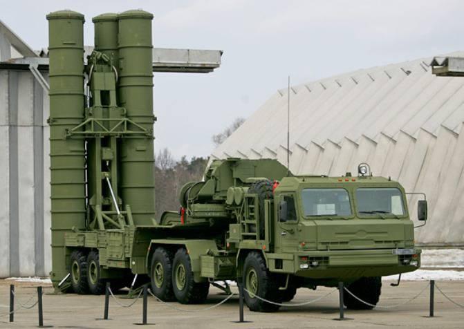 В соединение ЗВО поступили 2 комплекта ЗРК С-400