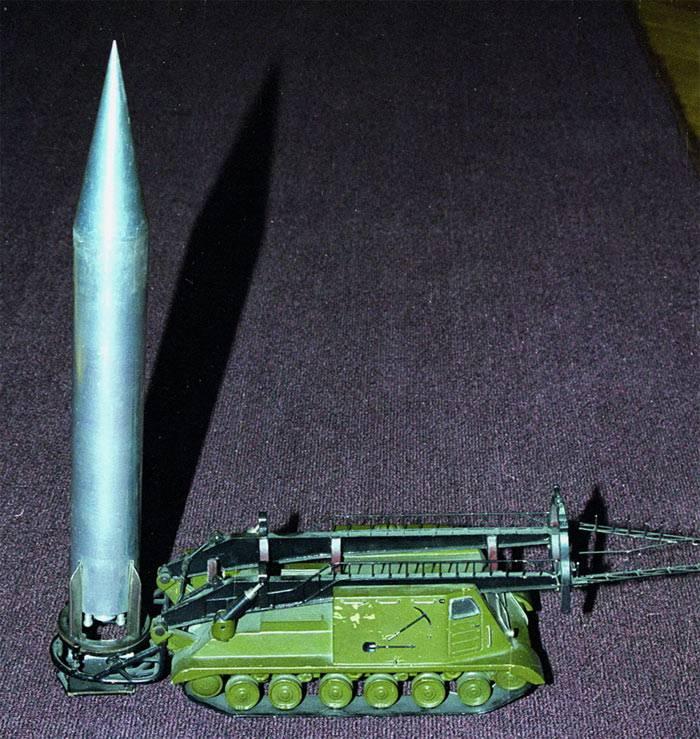 Проект оперативно-тактического ракетного комплекса с ракетой Р-18